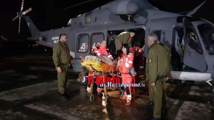 Da Ponza a Latina, trasferito d'urgenza con elicottero dell'Aeronautica uomo in gravi condizioni