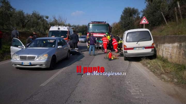 Velletri, giovane scooterista finisce sotto un furgone. Salvato dai pompieri