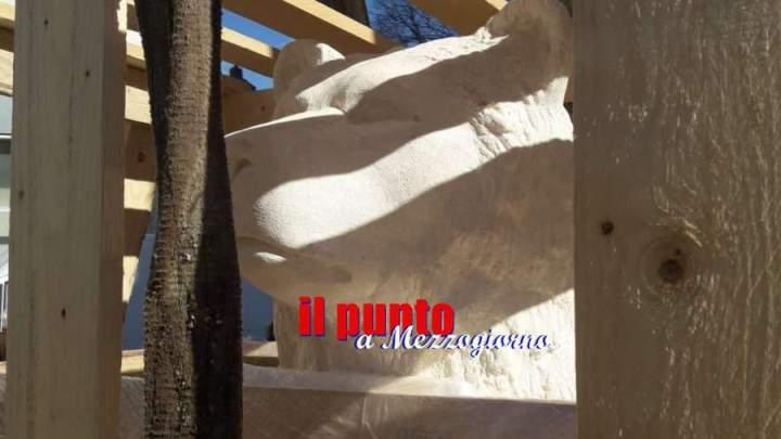 A Cassino la statua dell'orso Woytek, in corso l'installazione in piazza XV Febbraio