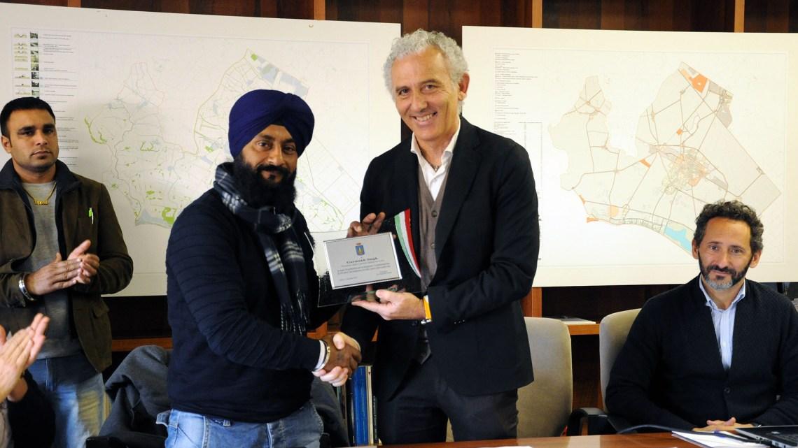 La comunità Sikh dona 550 alberi alla città di Latina