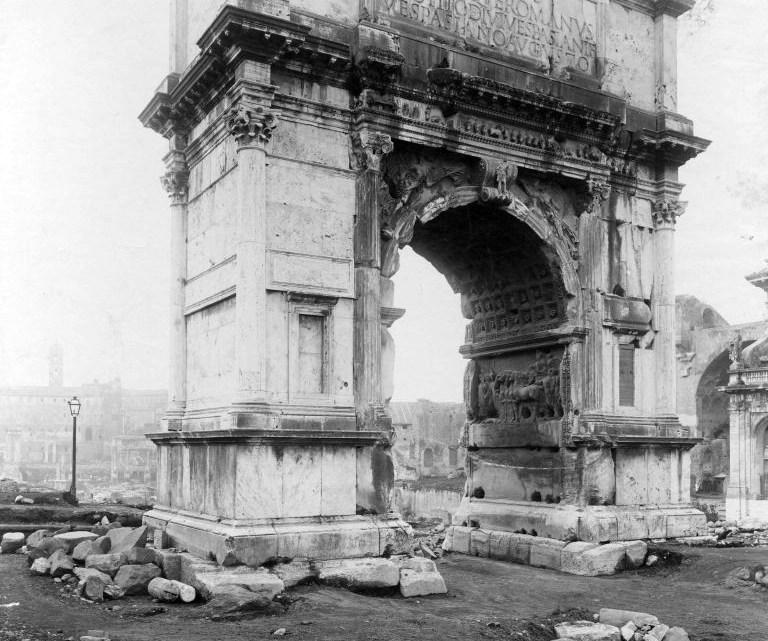 Parco del Colosseo. #iorestoacasa. Viaggio nell'Arco di Tito