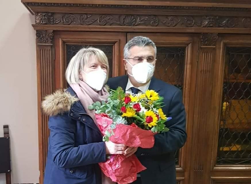Cassino – La segretaria del Comune Valeria Nardone va in pensione, il saluto del sindaco