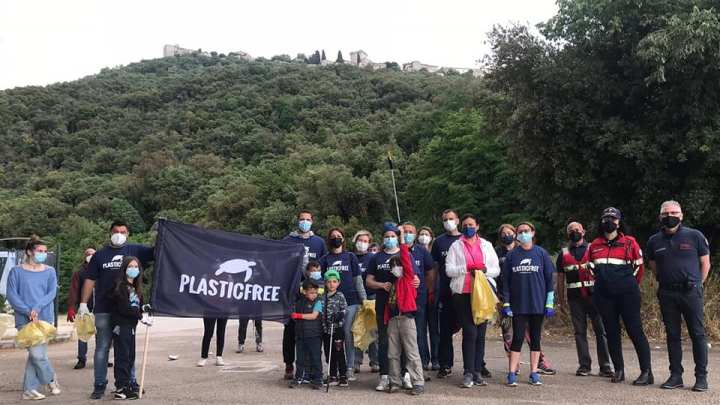 Sermoneta – Giornata ecologica in via Romana Vecchia, Comune in strada con Plastic Free