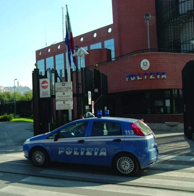 Frosinone – La Polizia di Stato denuncia un uomo per furto aggravato