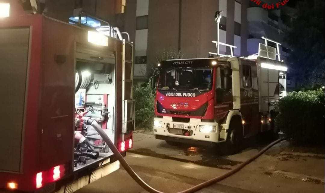 Latina – Garage distrutto da un incendio nel quartiere Nuova Latina ex Q4