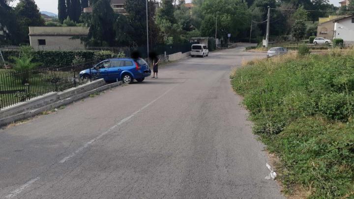 Cassino – Sbanda con l'auto e finisce fuori strada, il comitato Solfegna chiede manutezione più attenta