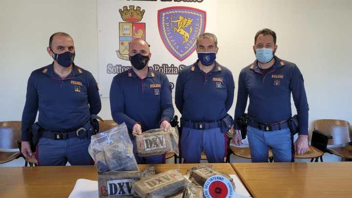 Cassino – Fermati con 14 chili di cocaina,  due persone arrestate