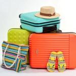 スーツケースと携行品の中身