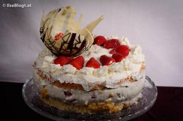 Kokos-Erdbeer-Torte-0001