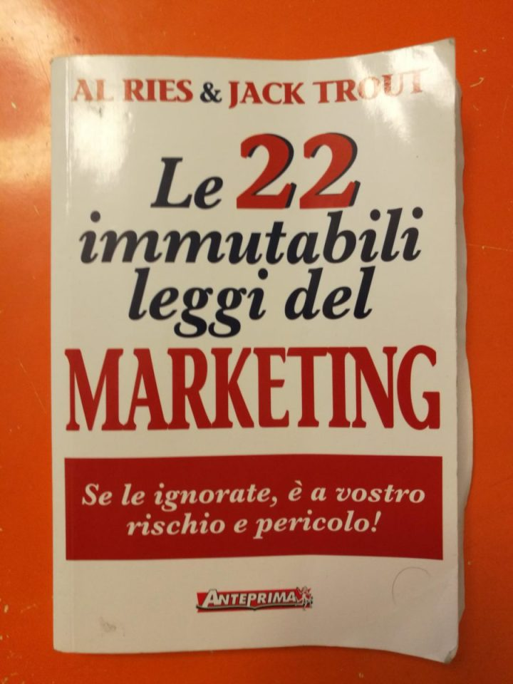 manuale; economia; start up; marketing;