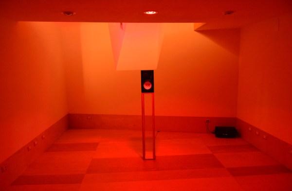 Il Suono in Mostra 2016 - Sebastien Roux (FR) - 10 Sinetones reaching 700Hz every 4 minutes - spazio MAKE - photo: Lara Carrer