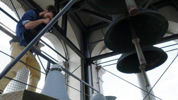 Mattia Pan Comuzzi nel campanile della chiesa di Santa Maria di Castello per #ilsuonoinmostra 2019 - foto di Lara Carrer
