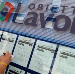 Disoccupazione sale in percentuale e scende in numero. Crollo autonomi