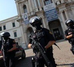 Algerino tenta di attaccare il Santuario di Pompei