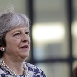 "Theresa May: ""Stop a lavoratori europei"""