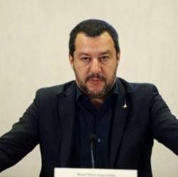 L'Italia difende Salvini: Lega primo partito