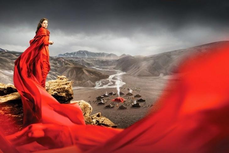 La tenda rossa, dall'antico testamento a oggi: le contraddizioni del cristianesimo moderno