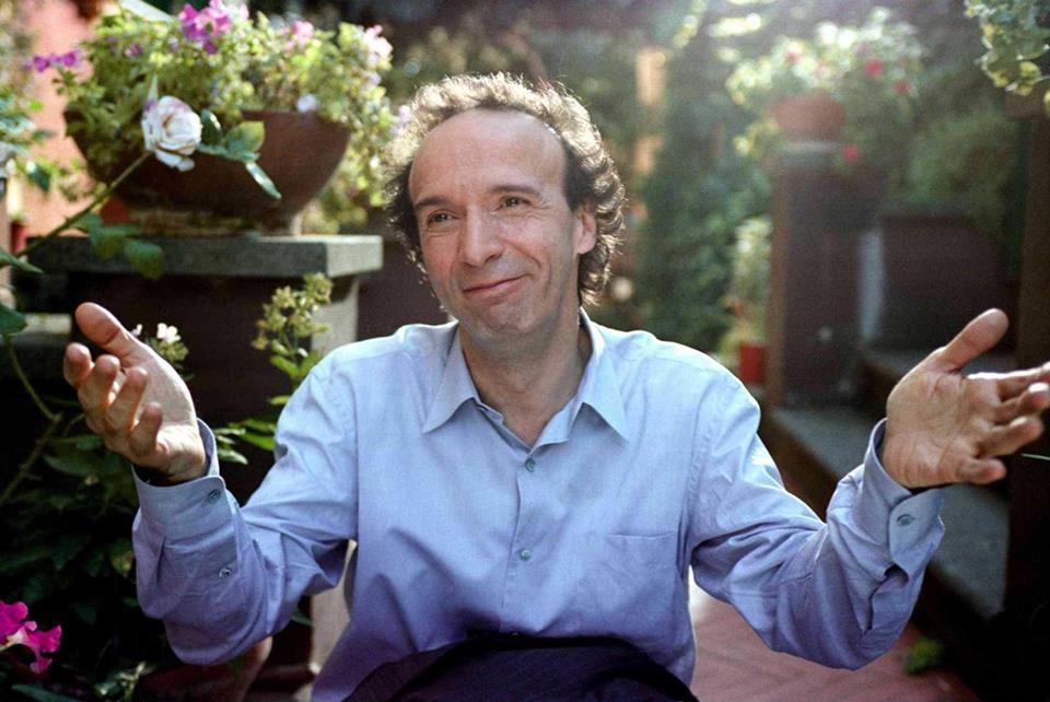Roberto Benigni e Gozzano ci guidano nella ricerca della felicitá, dove la possiamo trovare?