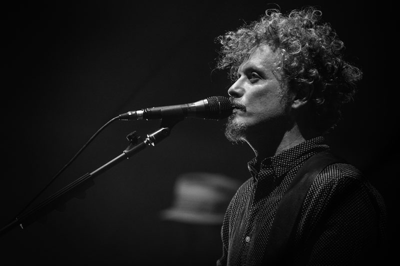Niccolò Fabi: io sono l'altro, una canzone su empatia e intersoggettività