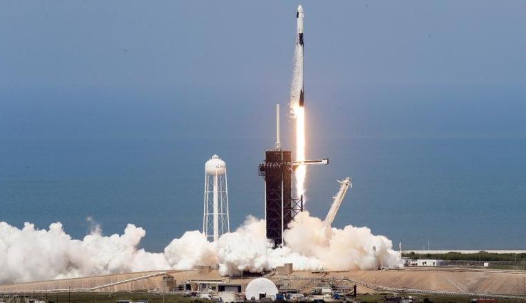 Il progetto SpaceX: come funziona e quanto inquina un lancio nello spazio?