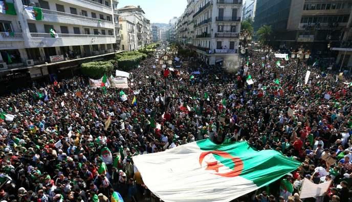 Locke e Rousseau ci insegnano come essere liberi, ma in Algeria questo porta alla prigionia
