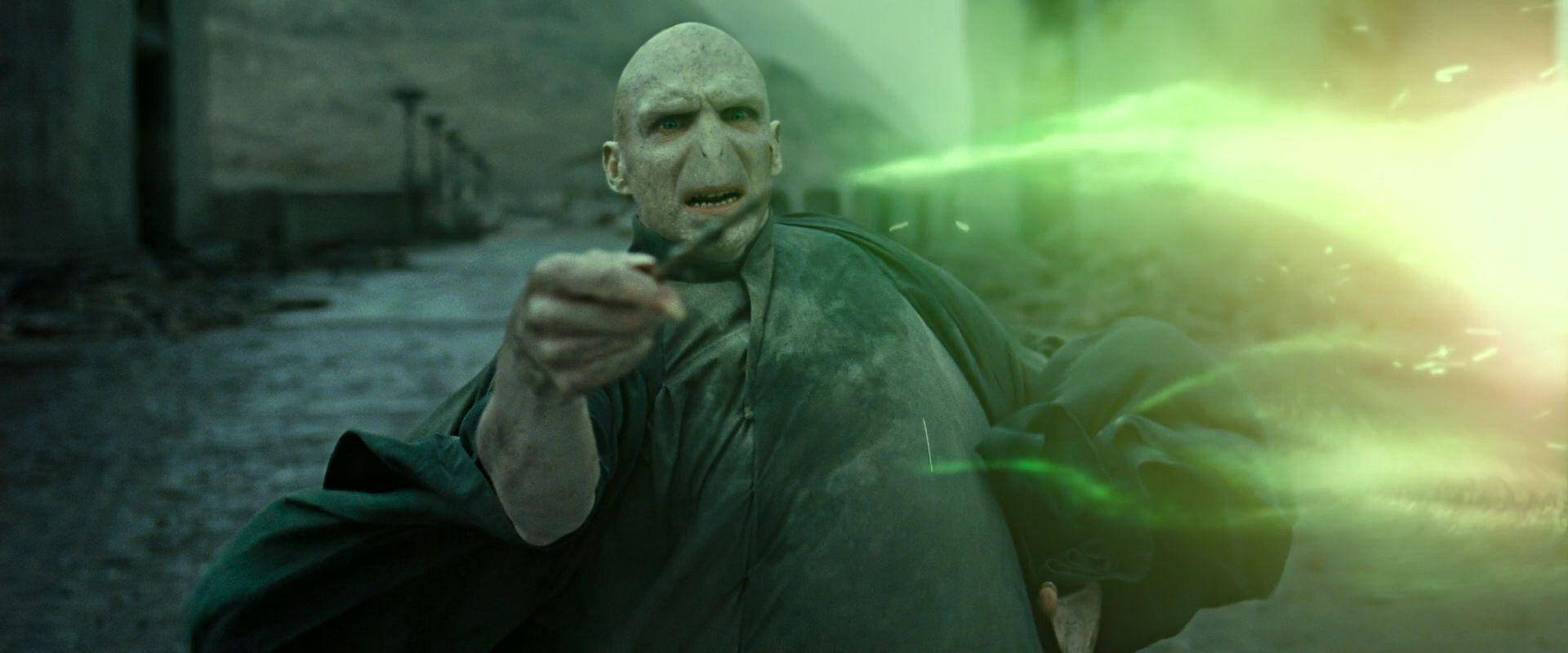 Le incredibili somiglianze che ci sono tra Lord Voldemort e Adolf Hitler, sia ideologiche che biografiche