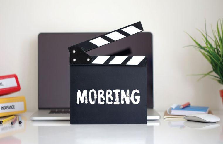 """Ecco i 6 tipi di mobbing e come riconoscerli: il """"bullismo"""" nei luoghi di lavoro"""