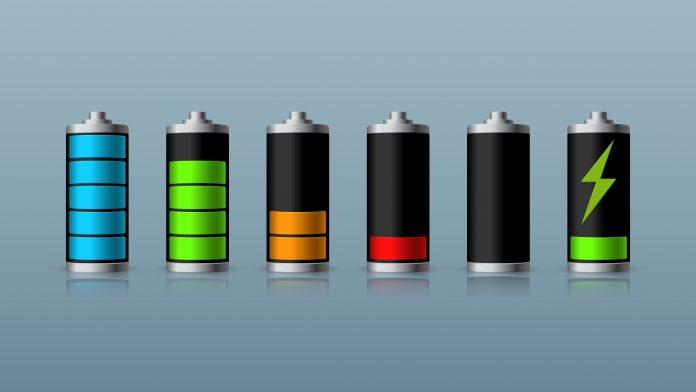 Ecco come dovremmo caricare il telefono e il computer per fare durare più a lungo le batterie