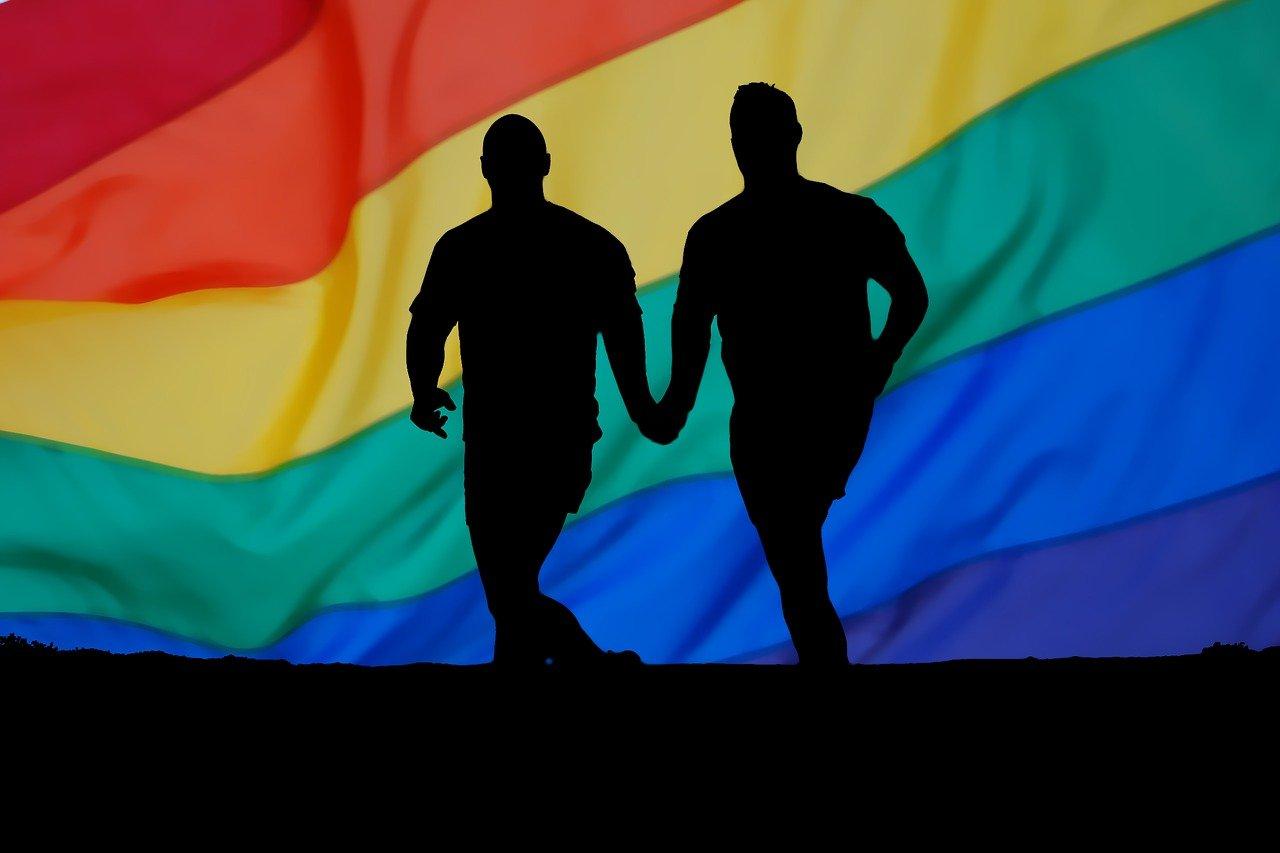 Omofobia ieri e oggi: la lotta LGBT raccontata da Oscar Wilde e Queer as folk