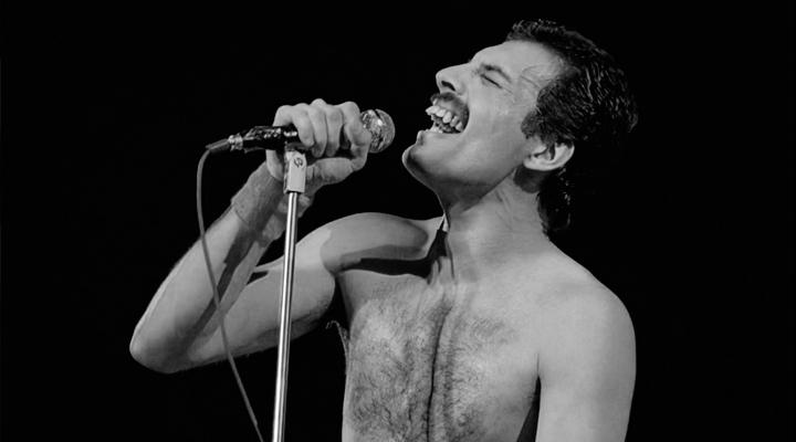 """Freddie Mercury con """"Bohemian Rhapsody"""" ci parla dell'alienazione religiosa secondo Feuerbach"""
