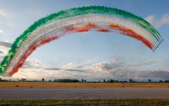 Le Frecce Tricolori festeggiano il 60mo anniversario della loro fondazione