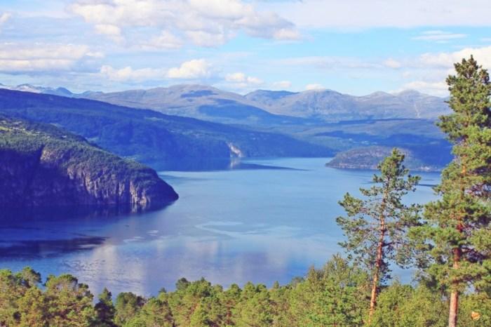 Panorama fiordi norgevesi Norvegia
