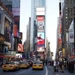 Nueva pantalla LED alumbra Times Square