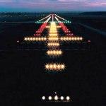 ¿Cómo se iluminan las pistas de un aeropuerto?