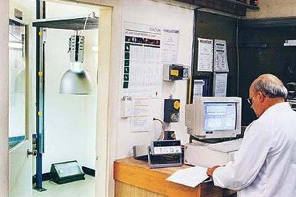 En los laboratorios de pruebas fotométricas, mecánicas o ambientales para luminarios de uso interior, exterior y de alumbrado público se determinan sus características de rendimiento, construcción o protección. Foto: Lighting Master ©
