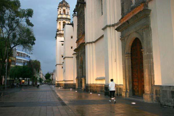 Iglesia Regina Coelli en Calle Regina © Iluminet