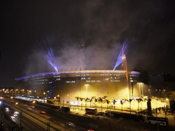 lima estadio noche luces