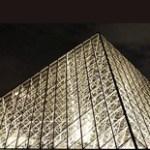 La pirámide del Louvre cambia a LEDs