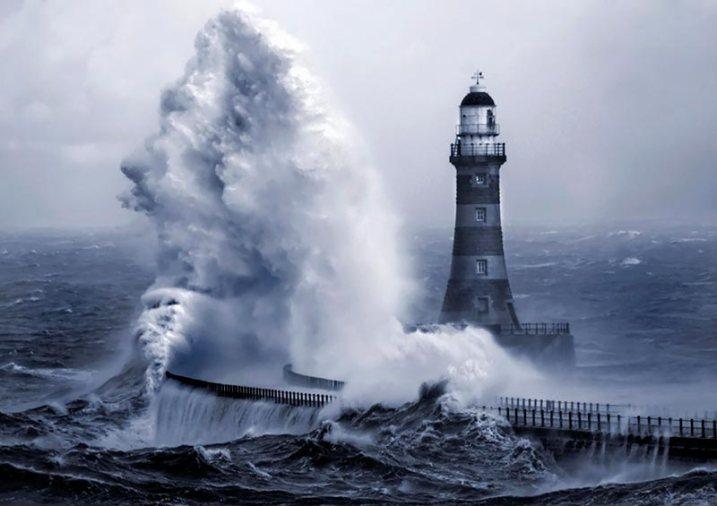 roker_lighthouse_5_by_jonboy2471