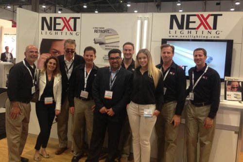 BHP Energy México con el equipo de NEXT Lighting™ en Lightfair International 2014 en Las Vegas.