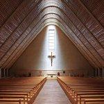 Luz del cielo en la Catedral de Kericho