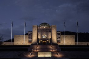 premios-lamp-australian-war-memorial