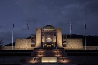 premios-lamp-australian-war-memorial