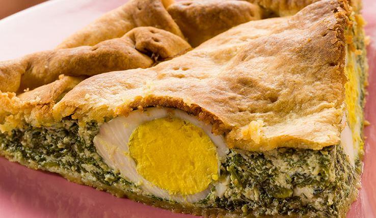 La torta pasqualina è una specialità preparata dai liguri, in particolare  dai genovesi, in occasione delle festività pasquali. Si tratta di una torta  salata