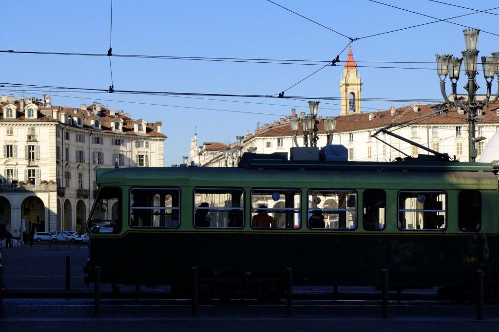 Tram in piazza Vittorio Veneto