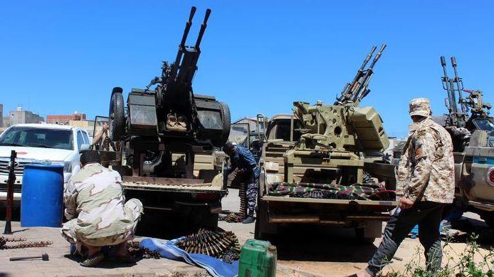 Infuria la battaglia per Tripoli, civili intrappolati