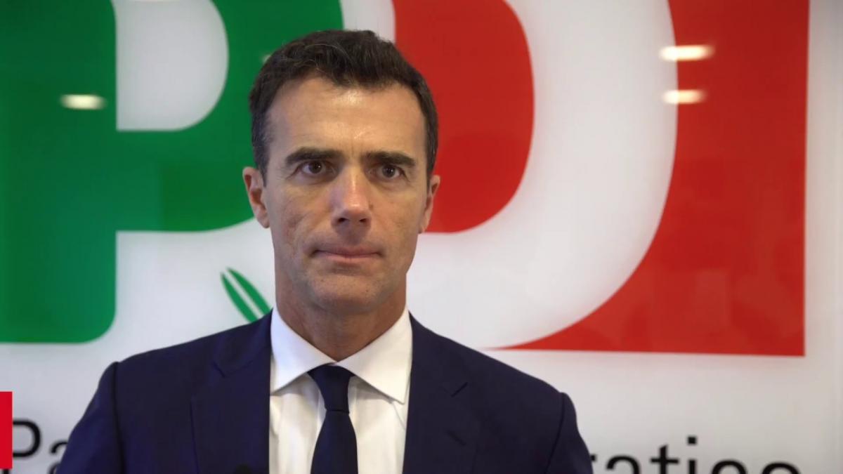 San Marino, indagine sull'ex sottosegretario Sandro Gozi per una consulenza bancaria