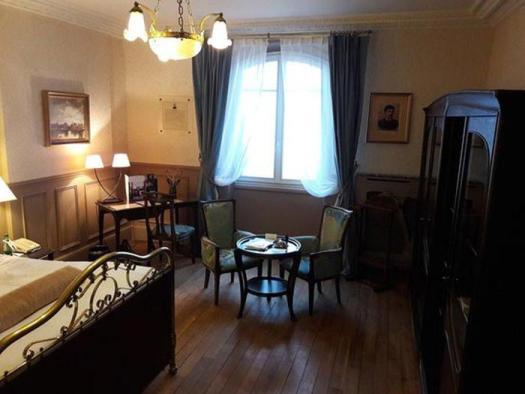La camera 414 del Grand Hotel di Cabourg, dove soggiornava lo scrittore Marcel Proust, vacanze estive artisti
