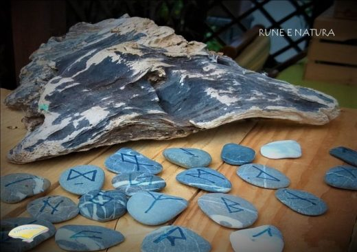 serata meditazione e rune