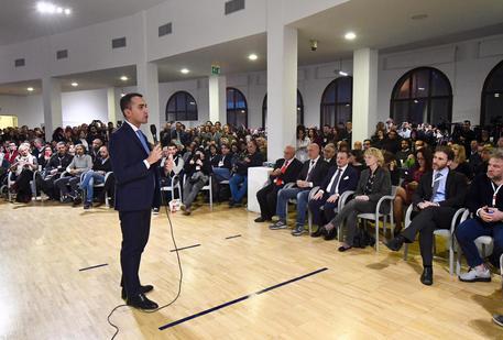 """Luigi Di Maio: """"Pensionati d'oro toglietevi i gillet gialli""""(video)"""